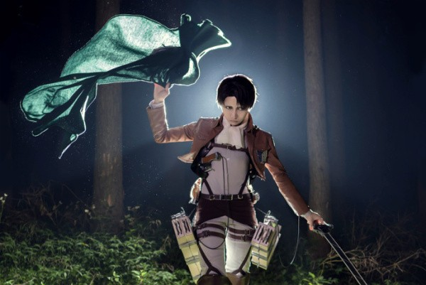Attack on Titan Cosplay 5