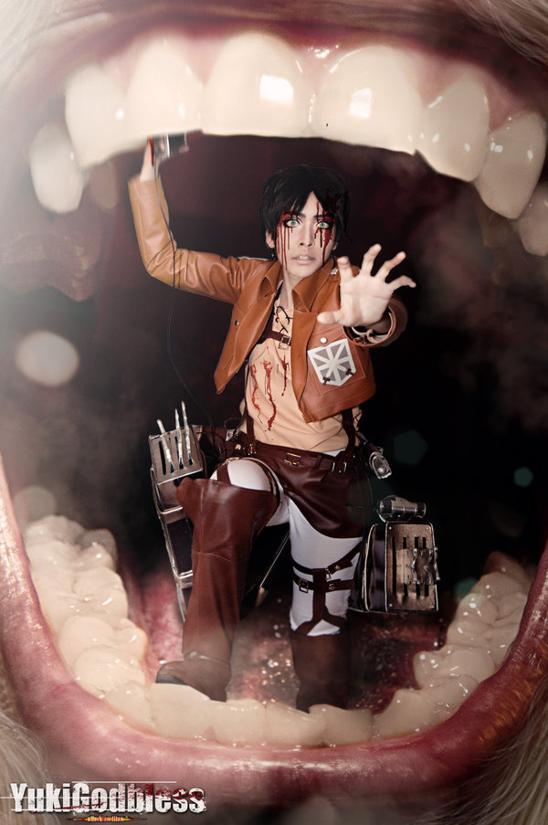 Attack on Titan Cosplay 8