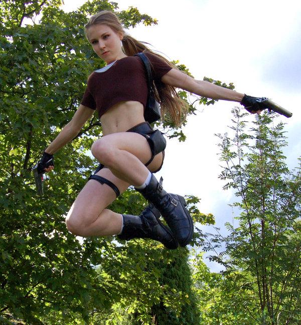 Lara 16