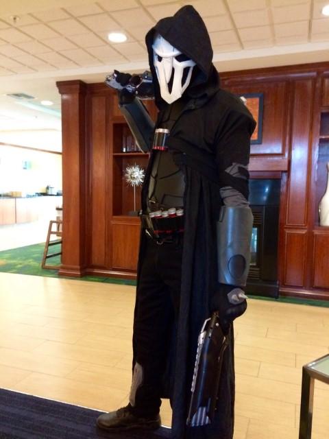 overwatch_reaper_cosplay_by_kadrinshadow-da57vu7 (Small)